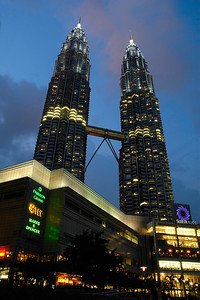 The 88-storey Petronas Twin Towers, Kuala Lumpur, Malaysia is the world's tallest twin towers. Designed and created by the renowned architect, Cesar Pelli & Associates. The geometric pattern of the islamic heritage was used to design the floor plates.   http://www.klcc.com.my