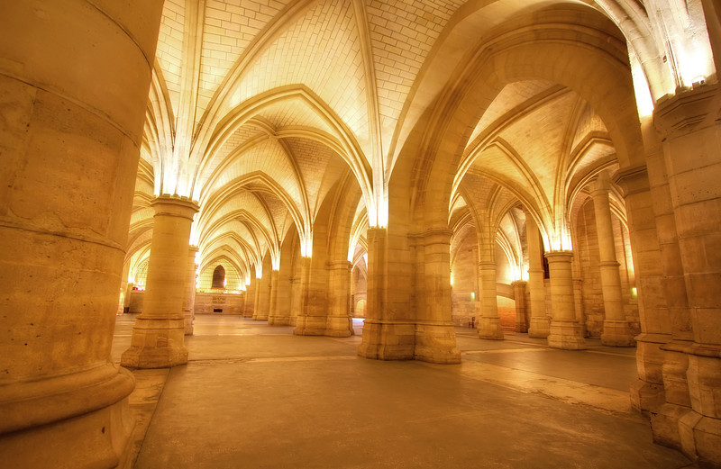 <H3>If these walls could speak</H3>  The great hall - Conciergerie