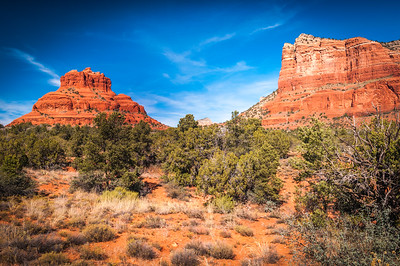 Bell Rock (L) and Courthouse Butee (R) Facing North