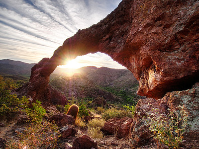 Sunrise through the Arch Hewitt Canyon