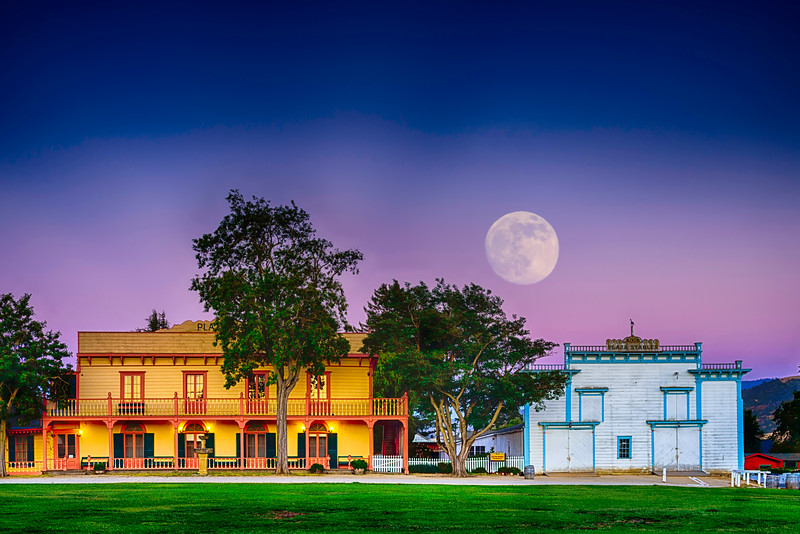 Plaza Hotel & Stables-Super Moonrise