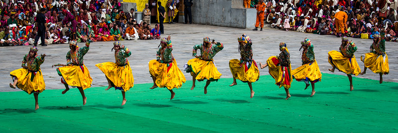 Thimphu Tshechu festival is held in Thimphu for 3 days. It is the largest festival venue in Bhutan.