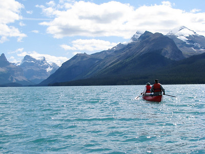 Maligne Lake - Canoe