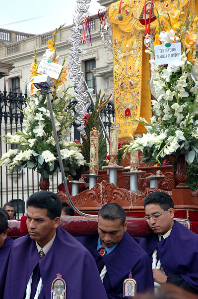Religious funeral in Lima