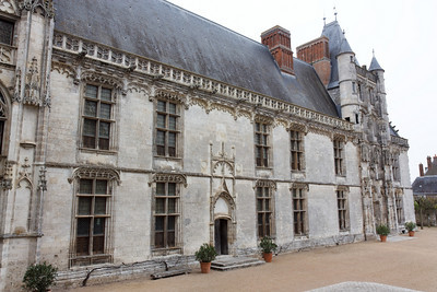 The Longeville wing - Chateaudun castle, 2009