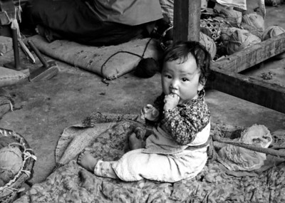 Tibetan refugee carpet factory - Nepal 1974
