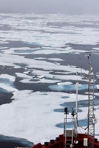 Navigating through the ice - MALINA cruise, Beaufort Sea, August 2009