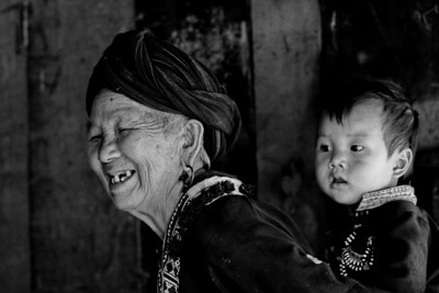 Generations - Dao  - Paso region, Vietnam, Jul-Aug 2006