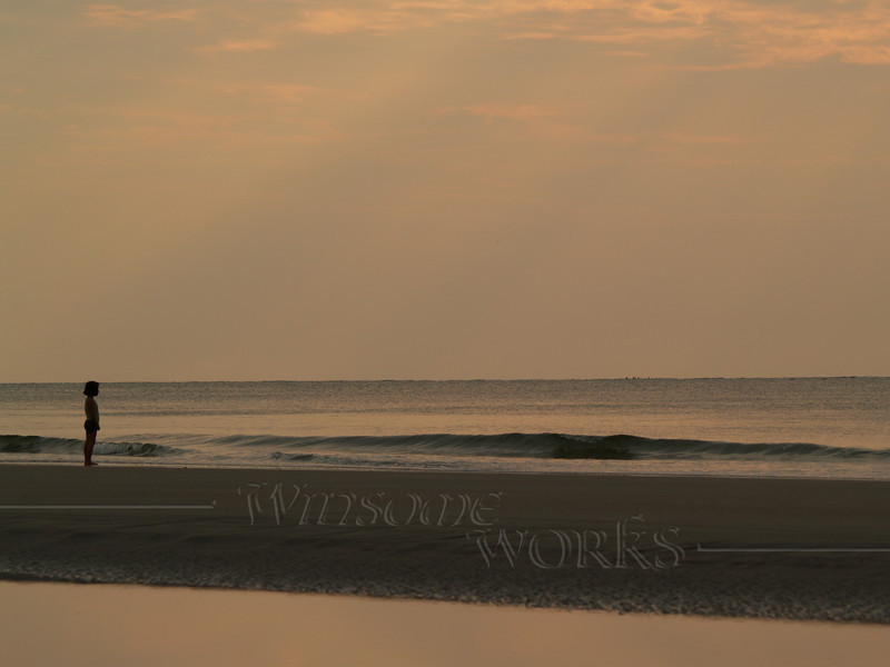 #48 - Little Girl and the Sea, Hunting Island