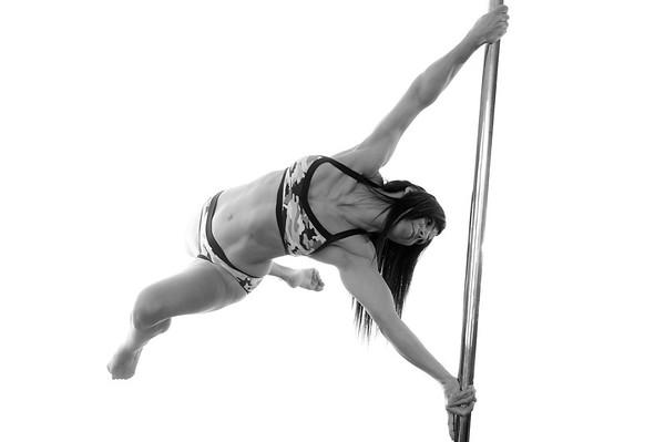 http://www.poledanceforever.fr/