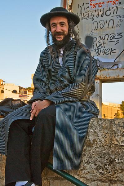Tsfat, happy fellow on the street