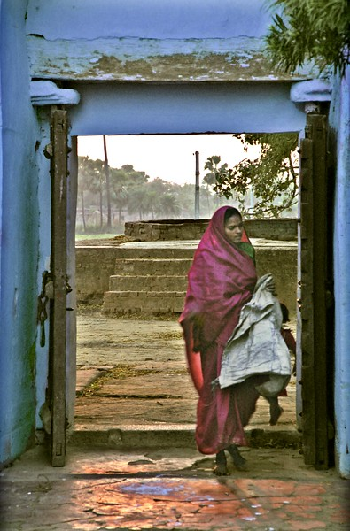 Woman and child in tiny village near Bodh Gaya