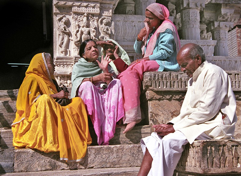 Udaipur, scene outside Jaglish Temple