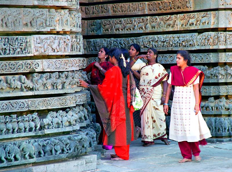 Halebid Temple, looking at carvings