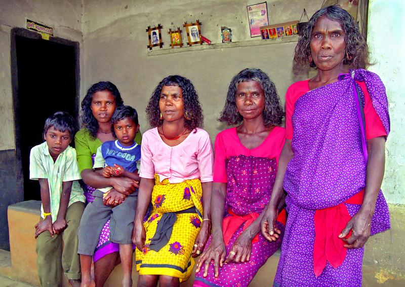 Women and children, Paniya village