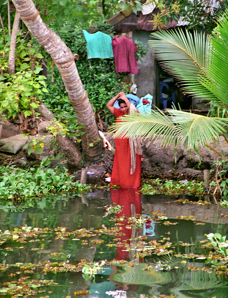 Kerala, backwaters, washing hair