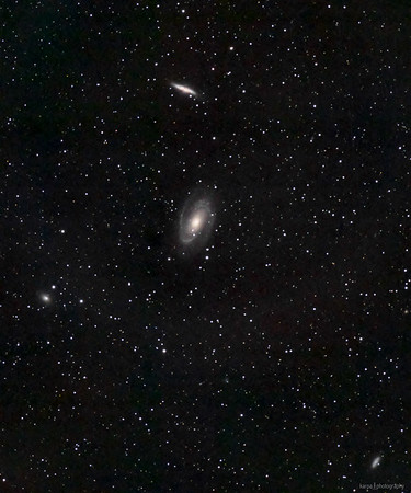 M 81 / NGC 3031 - Bode's Galaxy & M 82 / NGC 3034 - Cigar Galaxy