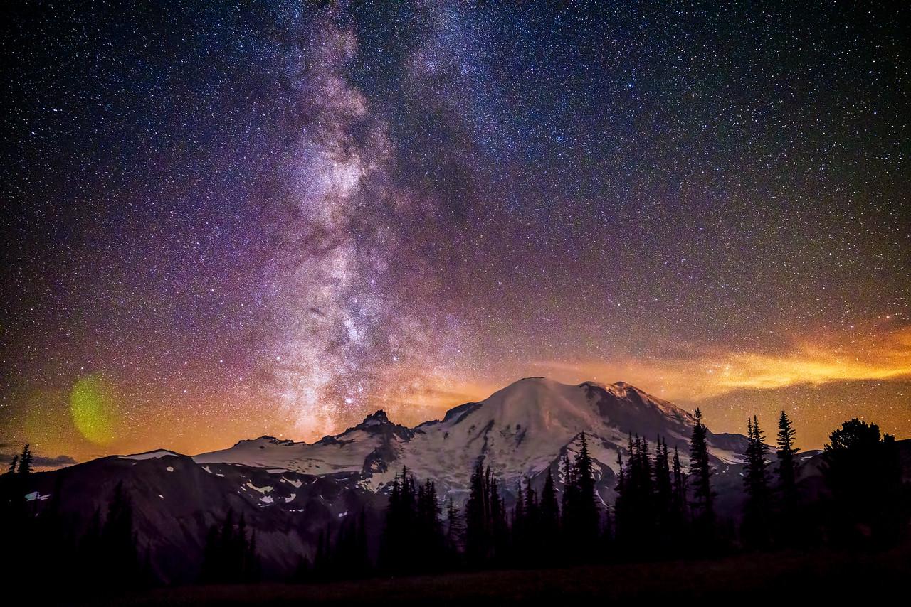 Milkyway over Mount Rainier