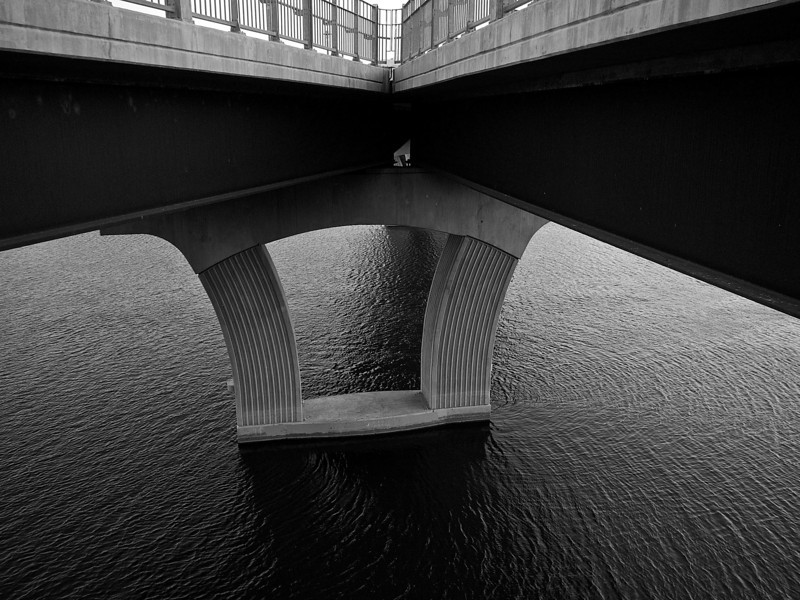 Supports, Pfluger Pedestrian Bridge - Austin, Texas