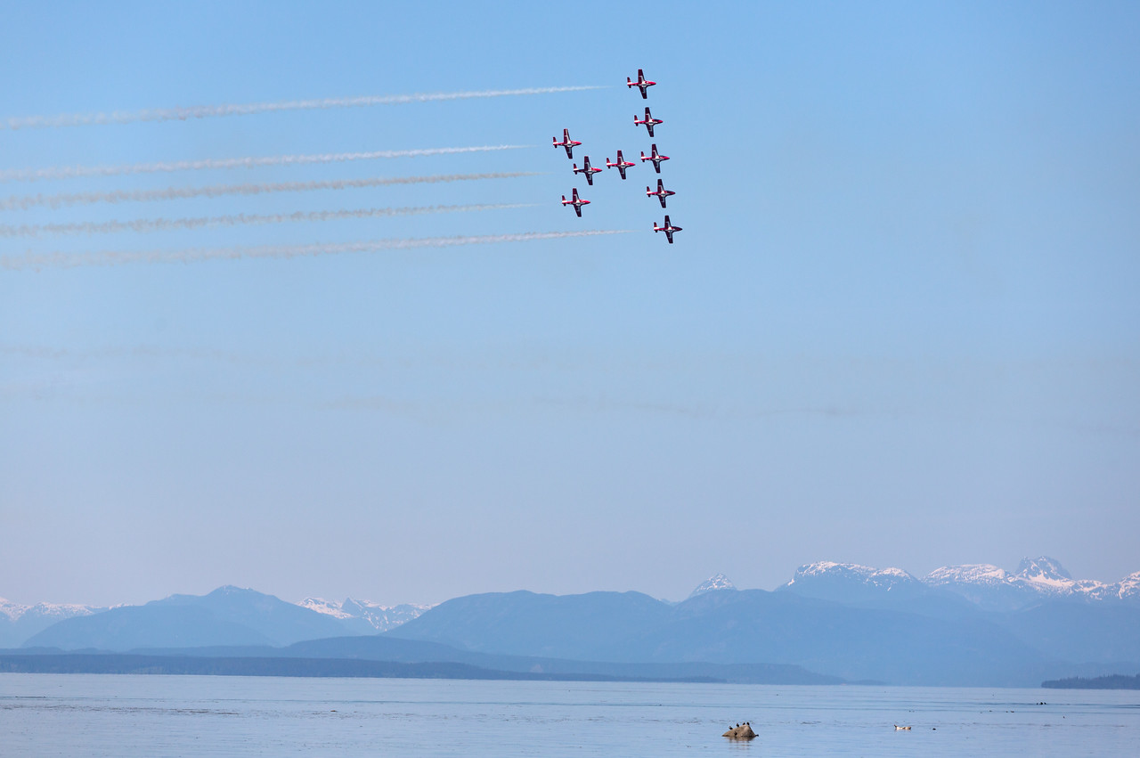 CF Snowbirds Wine glass formation over Comox