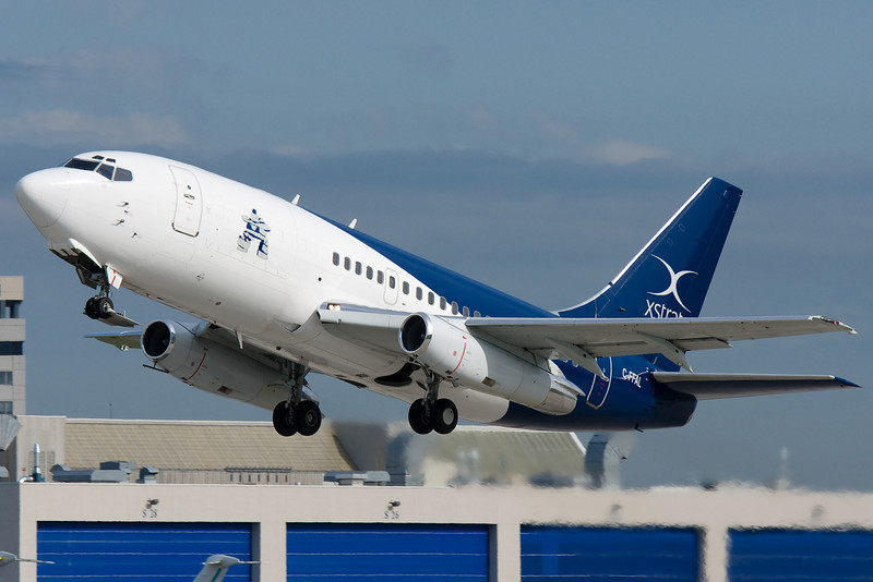 Xstrata Nickel Boeing 737-200 in the air at Montreal. A real classic!