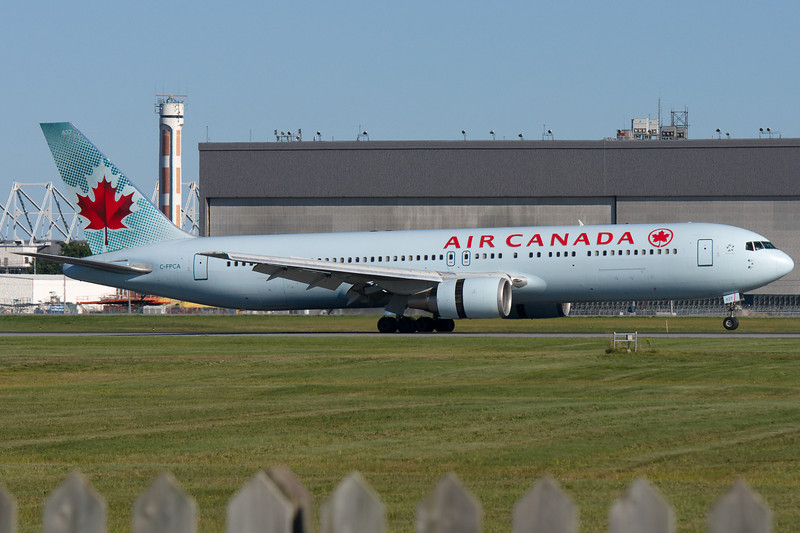 Air Canada 767 arriving at Montreal.