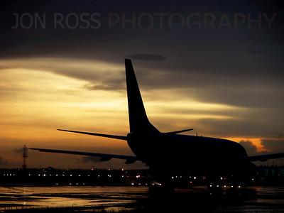 737 Repositions Via MIA Runway 30 | Miami, FL Nikon Coolpix 5700 | Nikkor 8x Zoom 35-280mm f/2.8-10.31/21s | f/4.1 @ 223mm | ISO Auto