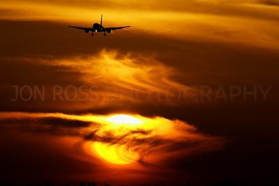 767 Inbound, MIA Runway 8R | Miami, FL Canon EOS 1D Mark II | Canon EF 100-400mm f/4.5-5.6 L IS USMEF 1.4x II Extender | 1/400s | f/22 @ 560mm | ISO 640