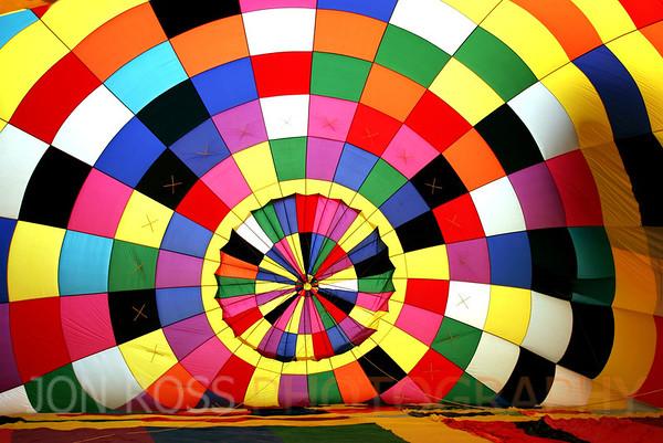 2006 Sunrise Balloon Race, TMB Airport | Tamiami, FL Canon EOS 20D | Canon EF 17-40mm f/4 L USM1/125s | f/4 @ 17mm | ISO 100