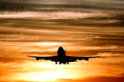 747 Departing MIA Runway 27 | Miami, FL Canon EOS 20D | Canon EF 70-200mm f/4 L USM1/1000s | f/9 @ 154mm | ISO 100