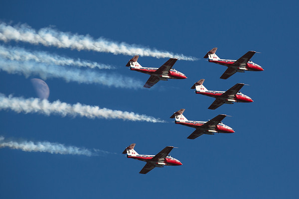 CF Snowbirds fly for C.H.I.L.D in Nanaimo