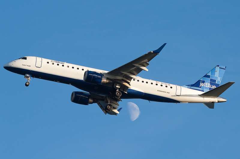 Luiz F. Kahl, the first JetBlue E190, is on final for runway 27.