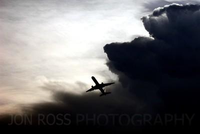 Departing 757, MIA Runway 9L | Miami, FL Nikon Coolpix 5700 | Nikkor 8x Zoom 35-280mm f/2.8-10.31/355s | f/6.7 @ 125mm | ISO Auto