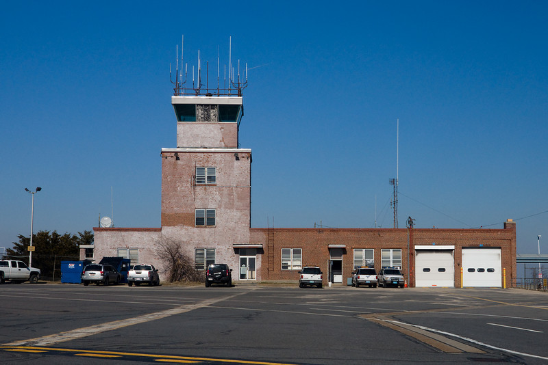The old control tower of ORH. Home to the Mass State Police and Civil Air Patrol.