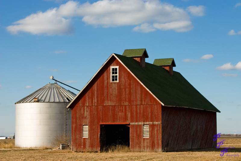 """""""Red Barn with Silo"""" or """"Little Red Barn with Silo""""<br /> <br /> POTD - Open Category - 11/15/2006 -  <a href=""""http://www.digitalphotonut.com"""">http://www.digitalphotonut.com</a> / <br /> POTD - Scenic Category - 03/08/2006 -  <a href=""""http://www.photoshowdown.com"""">http://www.photoshowdown.com</a> / <br /> Monthly Finalist - March 2006 -  <a href=""""http://www.photoshowdown.com"""">http://www.photoshowdown.com</a> / <br /> Appetizer POTD - Scenic Category - 10/20/2006 -  <a href=""""http://www.digitalimagecafe.com"""">http://www.digitalimagecafe.com</a>"""