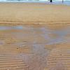 KNOKKE. BELGIE. BELGIQUE. SURFERS ON THE BEACH.
