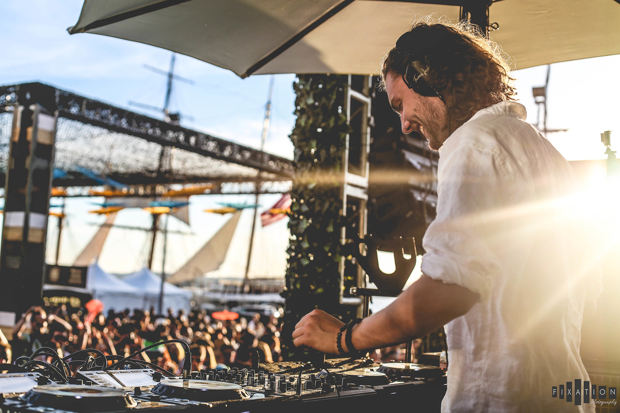 THOMAS JACK BRINGS HIS TROPICAL VIBES TO CRSSD FESTIVAL IN SAN DIEGO 03.14.2015