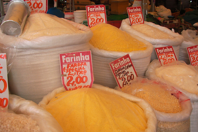 DIFFERENT KINDS OF FLOUR [FARINHA]. MERCADO VER-O-PESO. BELEM. PARA. THE AMAZONAS. BRAZIL.