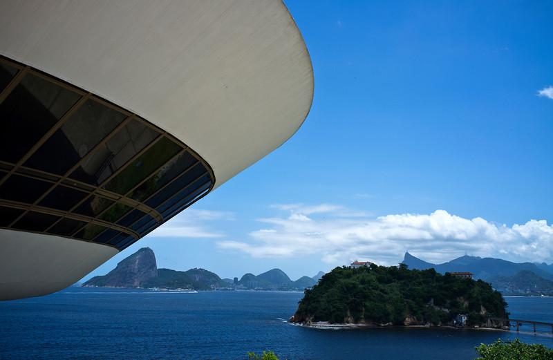 NITEROI. MAC. BY OSCAR NIEMEYER. BRAZIL.