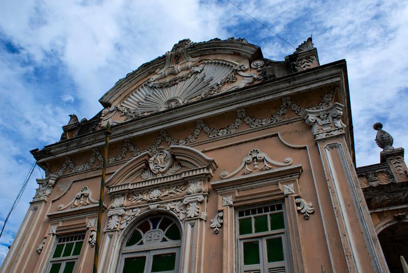 PENEDO. ALAGOAS. FACADE OF A COLONIAL BUILDING.