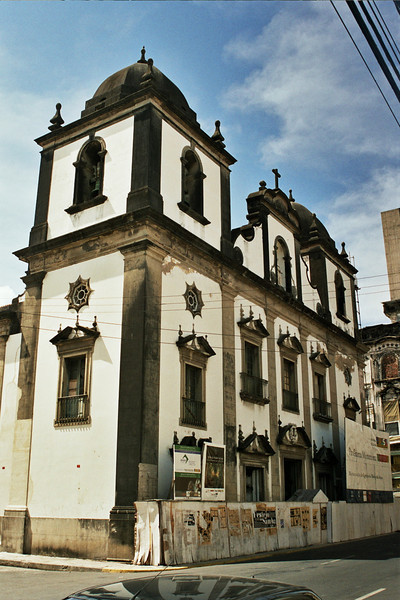 OLD COLONIAL CHURCH IN THE CENTER OF RECIFE. PERNAMBUCO. BRASIL.