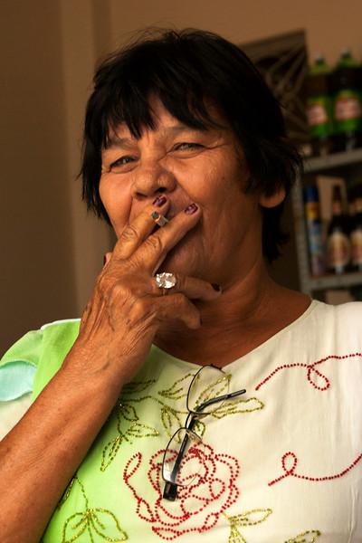 PENEDO. ALAGOAS. PORTRAIT OF A LADY WHO SMOKES A CIGARETTE.