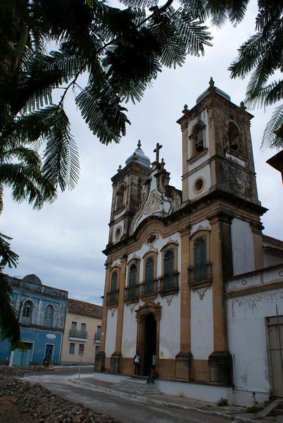 PENEDO. ALAGOAS. FACADE OF THE CHURCH NEXT TO RIVER SAO FRANCISCO.
