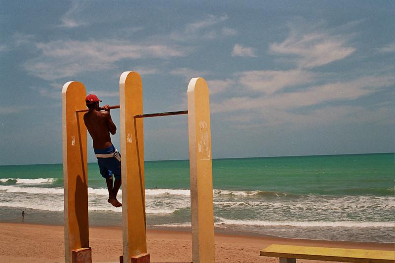 DOING EXERCISE AT THE BEACH. MACEIO. ALAGOAS.