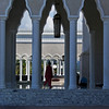 ENTRANCE OF THE OMAR ALI SAIFUDDIN MOSQUE. BANDAR SERI BEGAWAN. BRUNEI DARUSALAM.