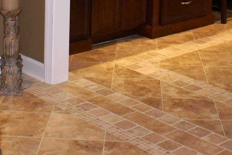 Price tile detail: Diagonal pattern continues through multiple borders