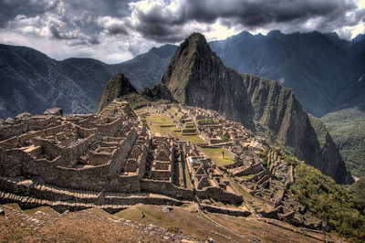 With Wayna Picchu behind it.