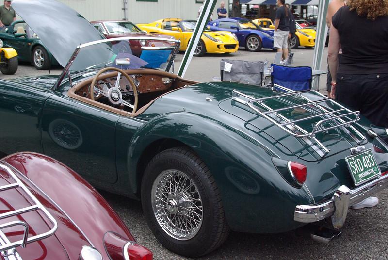 What a beautiful car!