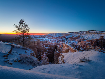 Sunrise at Bryce
