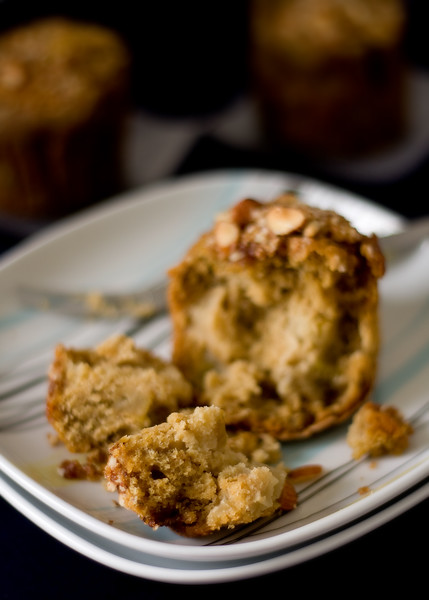 Pear and chestnut crumb cakes